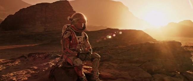 영화 마션은 한 과학자가 화성에서 살아남기 위해 자신의 모든 과학적 지식을 동원해 생존하는 우주판 로빈슨 크루소다.  - (주)이십세기폭스코리아 제공